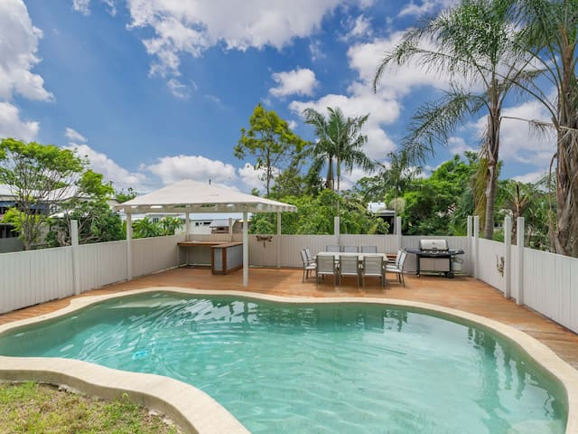 Charming Home/Tropical Pool/Pets OK - Red Hill - Hus