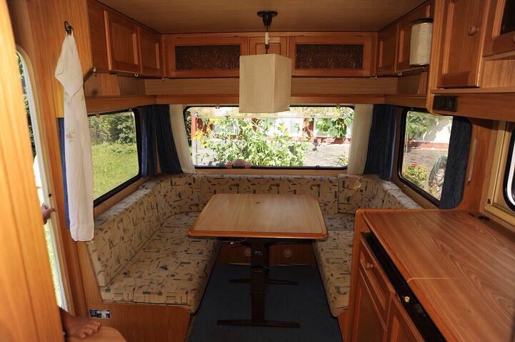 Wohnwagen für 6 direkt am Strand - Privlaka - Campingvogn