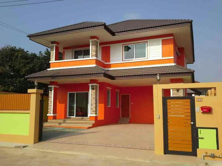 Orange Villa 4BedRoom 5min To Nimman,Free Pick  Up