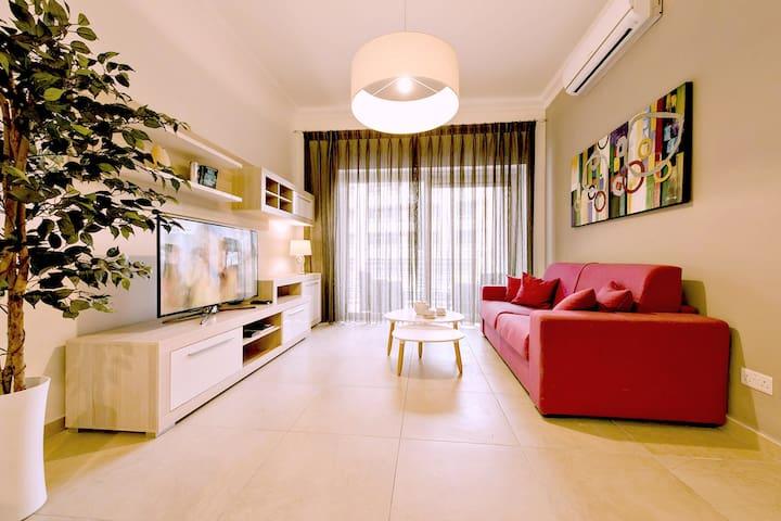 Luxury 1BR Apart ★ w/ Pool, Terrace, Top Location
