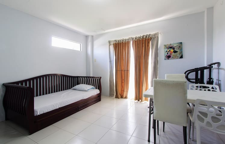 Studio Unit very close to SM Lanang - Davao City - Apartment