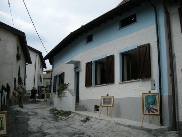 Wonderful house close to Lakes - Lanzo D'intelvi - Casa