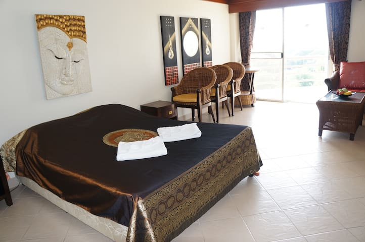 Camera matrimoniale in Resort sul mare