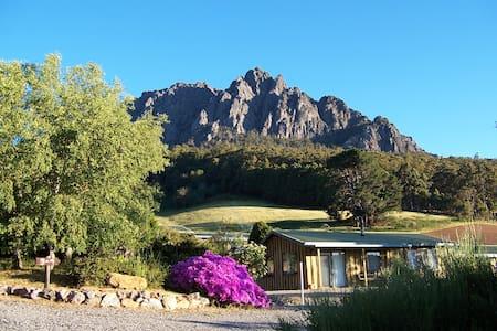 Silver Ridge Retreat Cabin +heated pool+