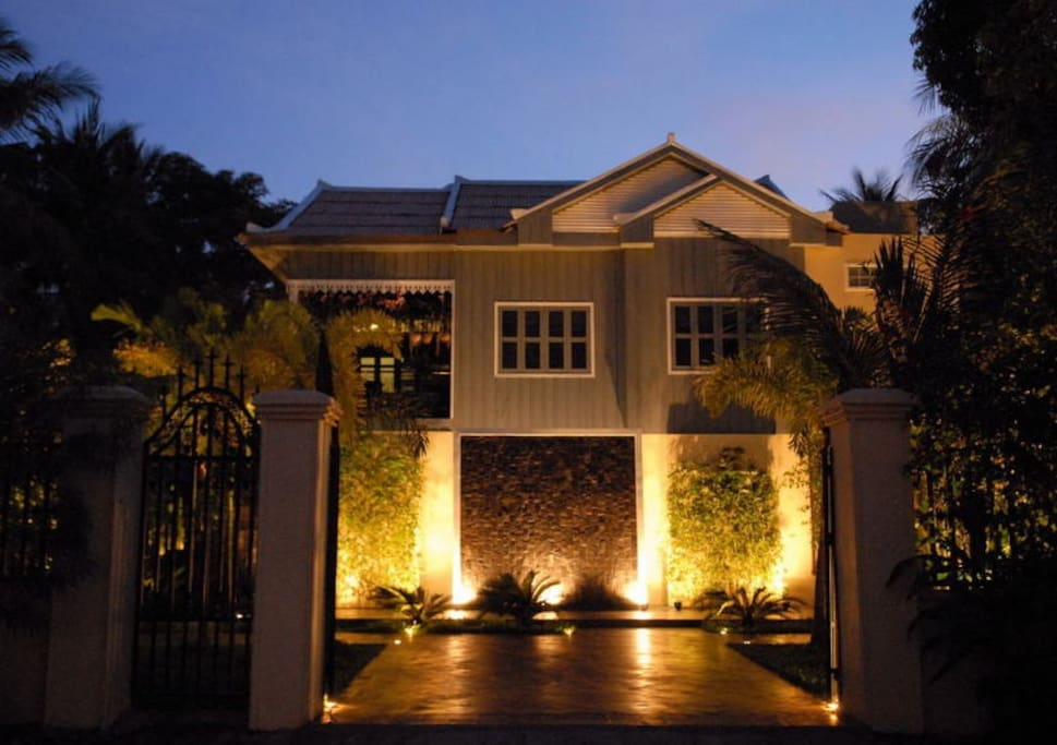 Fou Nan Villa at night