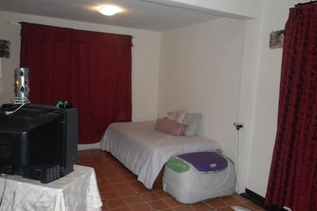 Room type: Private room Property type: Dorm Accommodates: 2 Bedrooms: 1