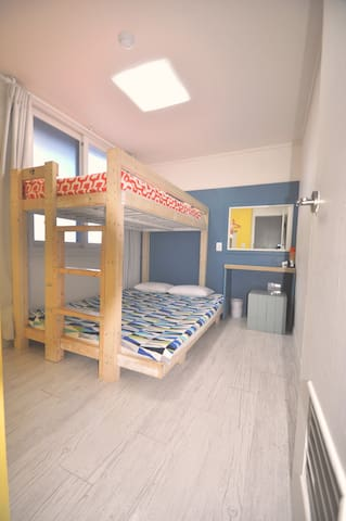Triple bedroom/ 2층침대3인실 - Seogwipo-si - Bed & Breakfast