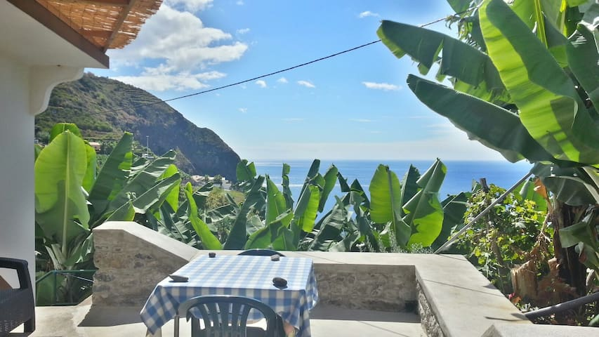 Romantic Sea View Cottage Madeira - Arco Da Calheta - Casa de camp