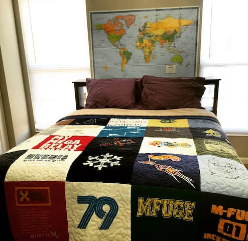Full/Queen size bed with closet.
