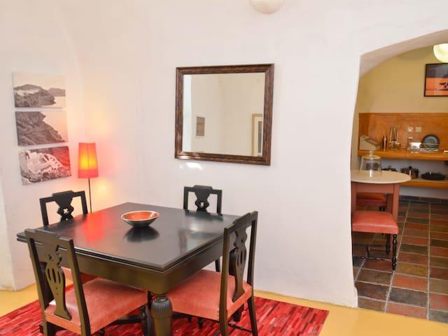 Cave Apartment in Villa Fegari