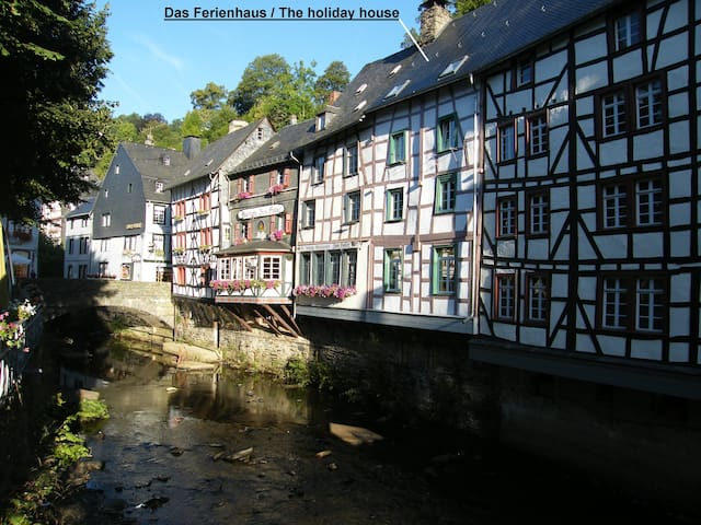 Directly at the river Rur - Monschau - Appartement