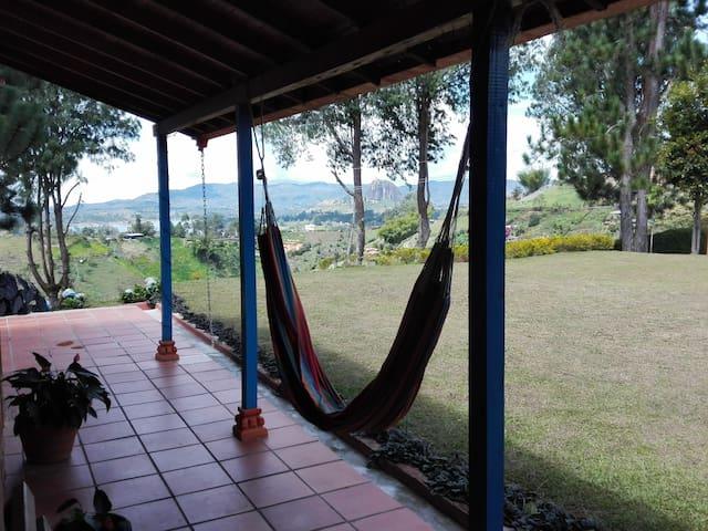 Wonderful place in Peñol - Medellín - Hus