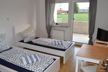 Doppelzimmer in 3 Zimmerwohnung - Öhringen