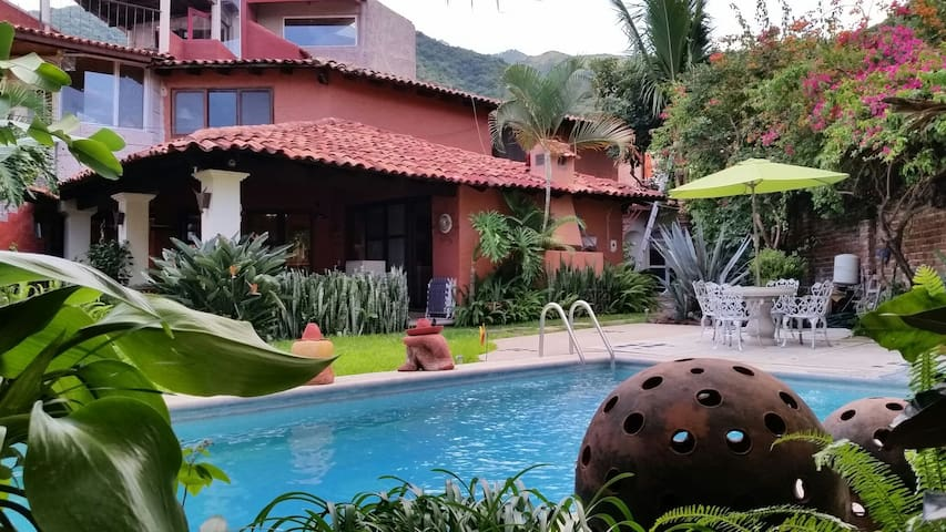 Beautiful House, Garden and Pool - Ajijic - House
