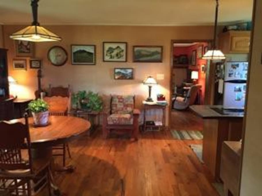 Dining & Kitchen features dining for 4-6, full kitchen, classical guitar nook, wi-fi hookup (free)