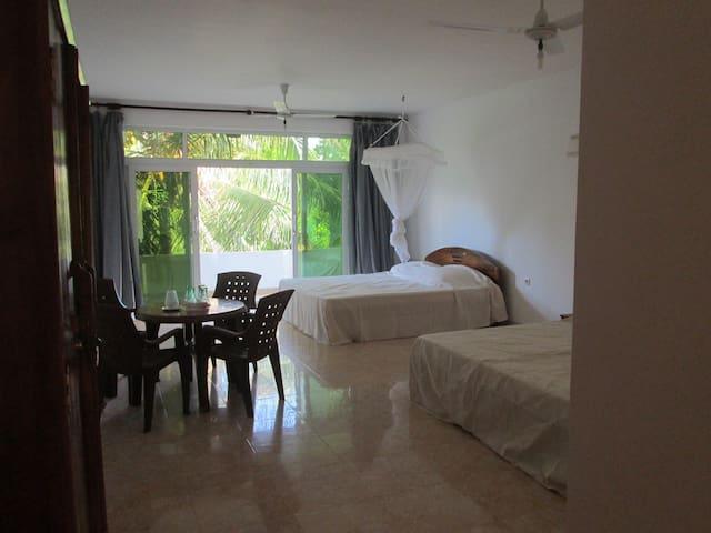 Familyroom with Balcony