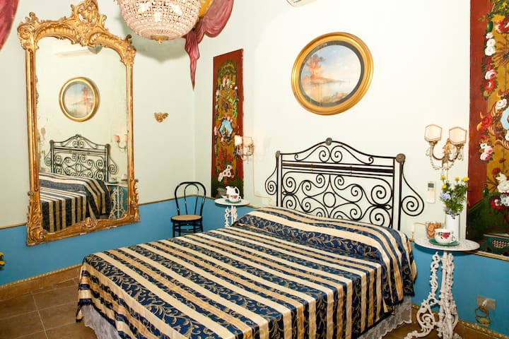 B&B Casale del Barone Sorrento Coast 'RoomVesuvio' - Vico Equense - Bed & Breakfast