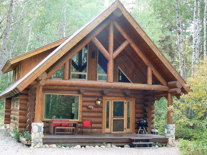 Lovely Log Cabin on the River and MVSTA Trail