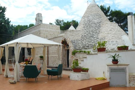 Trullo with Lamie and loft - Martina Franca - House