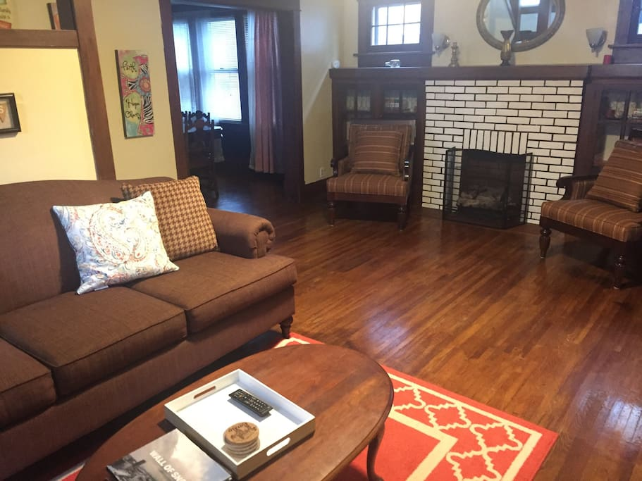 The buffalo family house driveway houses for rent in for The family room buffalo ny