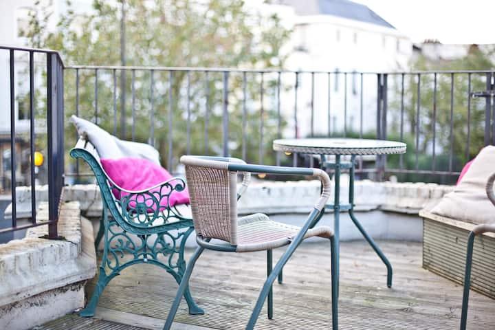 Sunny Notting Hill flat & terrace