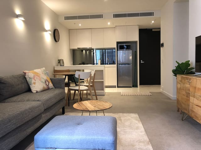 Heart CBD of 2BED with free parking