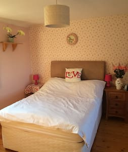 Rural double room 15 mins to beach - Great Carlton - Casa