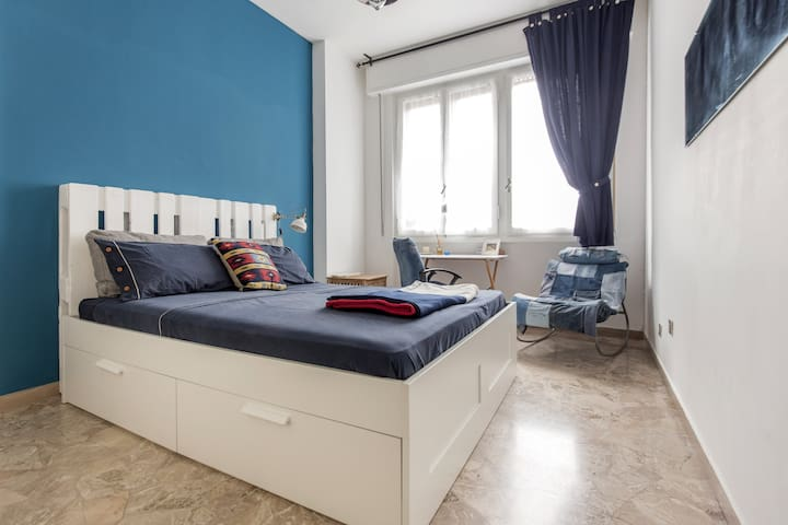 Bright Double Room Rifredi Station - Florence - Appartement