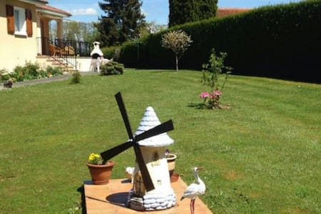 Grande maison à 5 min d'Aurillac - Ytrac - Casa