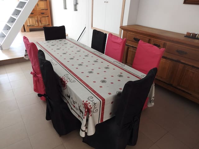 room Sax (URL HIDDEN) - Dinant - House