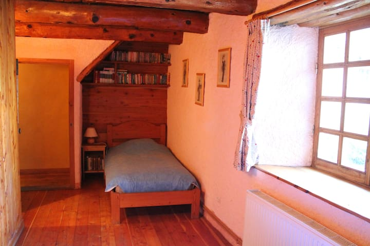 Chalet  du XVIII, jazuzzi, sauna.