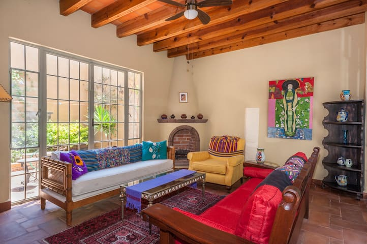 Romantic Garden Level 2 BR Retreat. - San Miguel de Allende - House