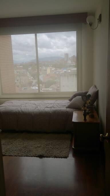 vista del cuarto desde puerta del mismo.