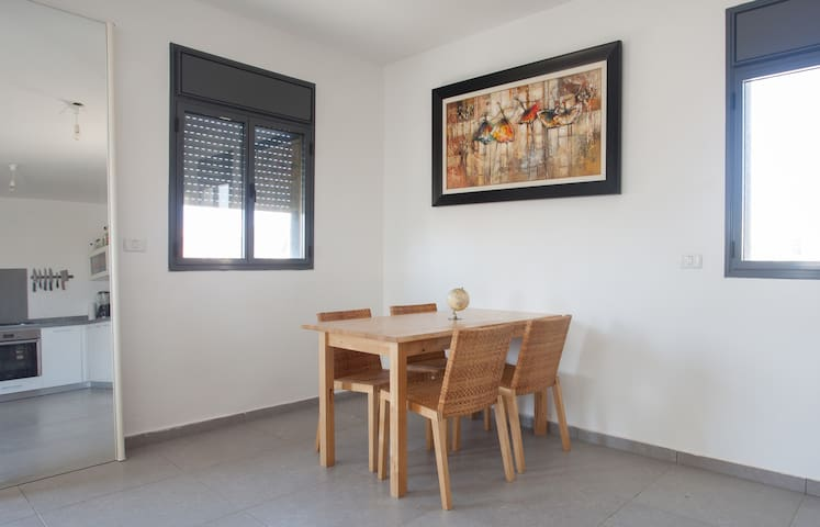Peaceful, clean room with sea view - Tel Aviv-Yafo - Apartament