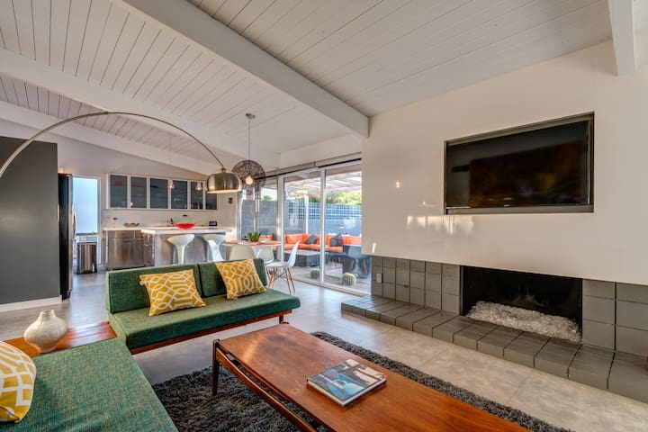 MidCentury ALEXANDER | Iconic | Mtn View | 3BR