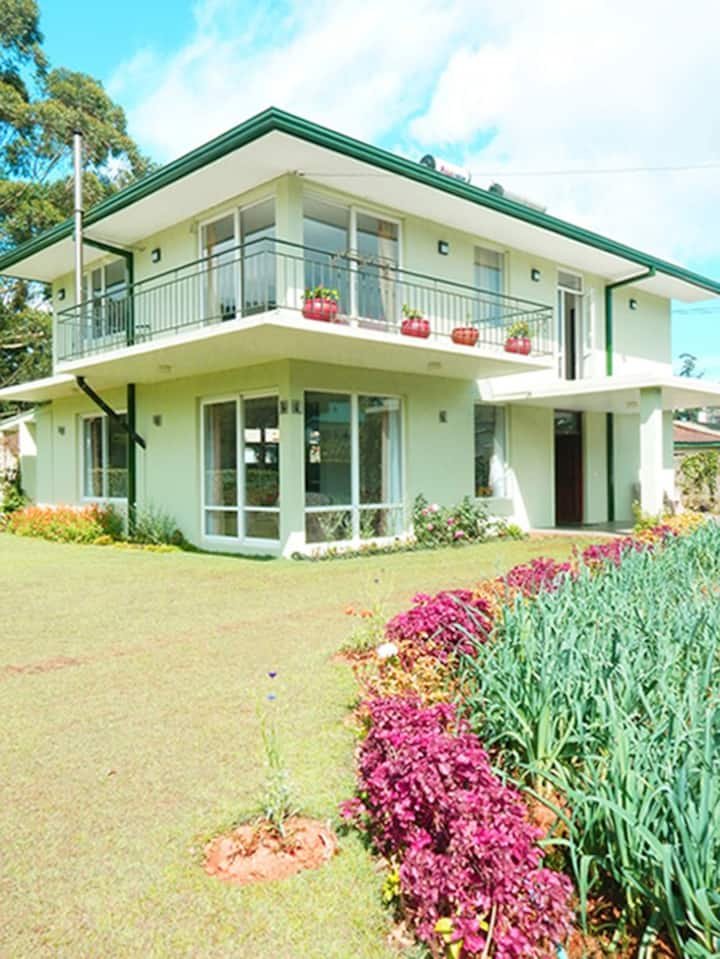 Lawsons Ridge NuwaraEliya. Lovely Home in town