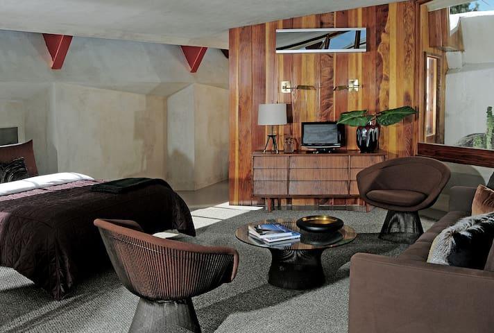 The Lautner- Studio Apartment #4 - Desert Hot Springs - Apartment