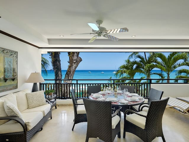 Spectacular Views Of The Sparkling Caribbean Sea