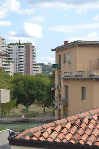Spaziosa camera da letto - Verona - Apartment