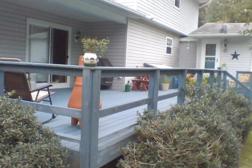 Rear deck--leads to entrance to the Guest house