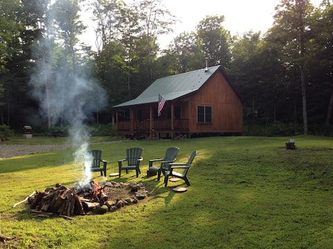 Upscale Cozy Cabin in the Woods-LETCHWORTH