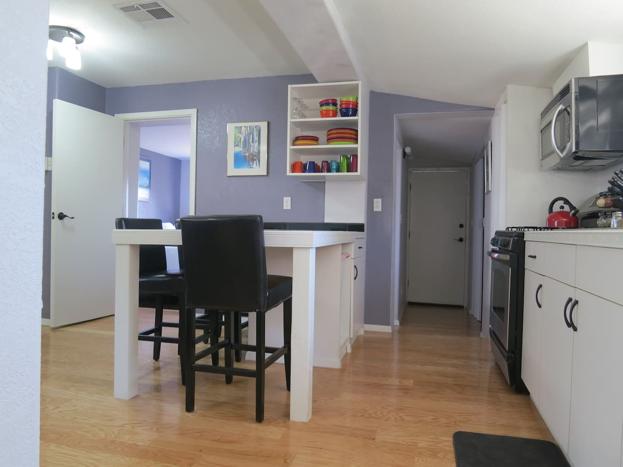 kitchen/dining area--clean and modern with plenty of space