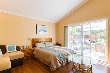 Woodbridge Master En-suite Bedroom - Irvine