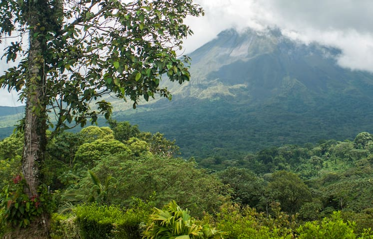 Deluxe Private, A/C, Terrace & Volcano View* - Arenal Volcano