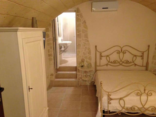 B&B La Grotta del Re, Suite Botte - Grottaglie