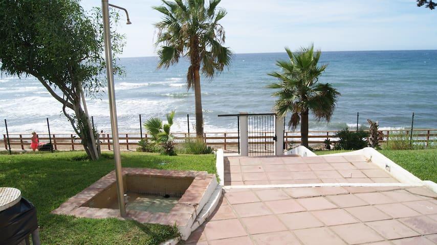 Estudio Mijas primera linea playa