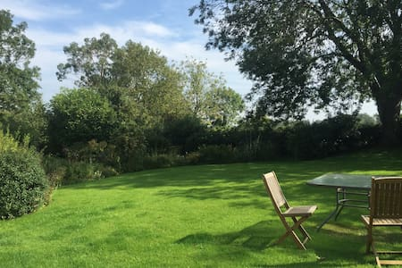 Luxury Rural Retreat. Dogs welcome. - Mattishall - Apartemen