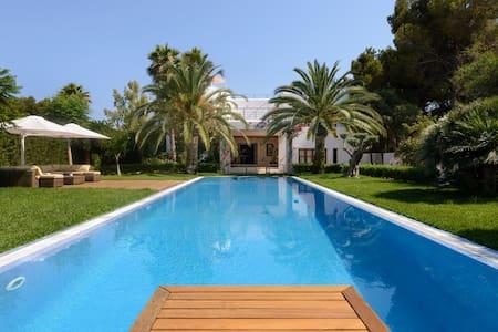 Luxurious 5 Bedroom Villa - Santa Eulària des Riu - Hus
