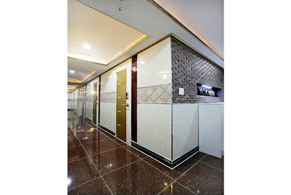 Whouse per room system(beacuse room very small) if 2 guest have to order 2room, if 5person have to 5room order.  Event, if two person over and stay 1week over, free Hong-dae club tour or restaurant dineer(choice)