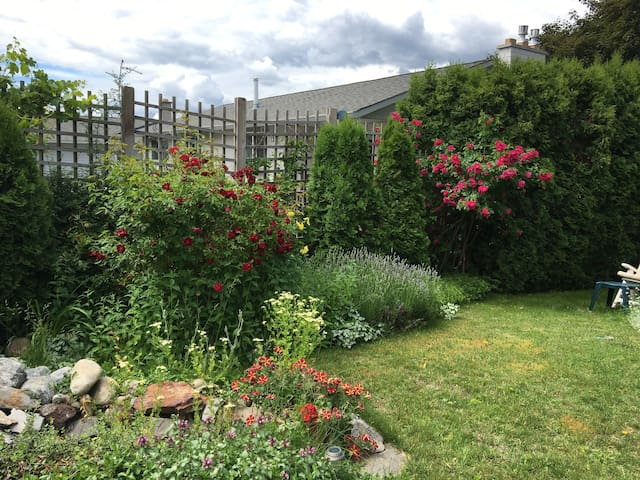 Wiltse Garden Suite